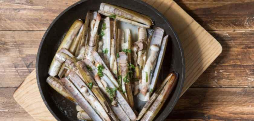 Cómo cocinar navajas a la plancha